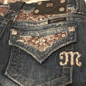 *Miss Me Bootcut Jeans: SIZE 23*